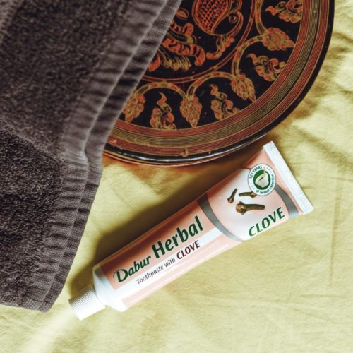 dabur herbal toothpaste – clove – 100ml